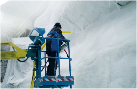 """Reinhold Messner, """"Nanga Parbat"""" (München), Indoor-Schnee- und -Gletscherkulisse für Filmdreh"""