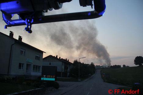 Feuerwehr, Blaulicht, FF Andorf, Brand, Werkstatt, Pferdehof, Lichtegg