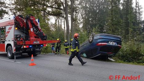 Feuerwehr, Blaulicht, FF Andorf, Unfall, PKW, Oberholz