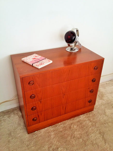 Commode teck vintage