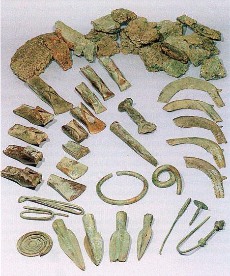Das Materialdepot eines Bronzegießers der Urnenfelderzeit, 1969 von spielenden Buben entdeckt.