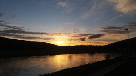 Ostern 2018 an der Weser bei Oedelsheim am Abend