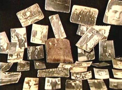 Lederetui mit Fotos, die Klara (Cläire) Rosenhain über die gesamte Leidenszeit hinweg retten konnte (Foto: Privatbesitz Cläire Rosenhain)
