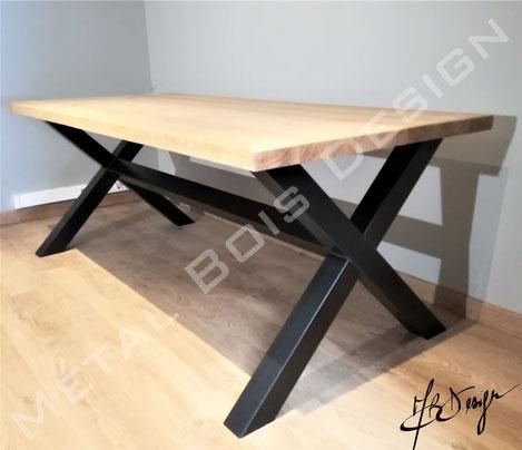 Table sur mesure piètement en acier et plateau upcyclé