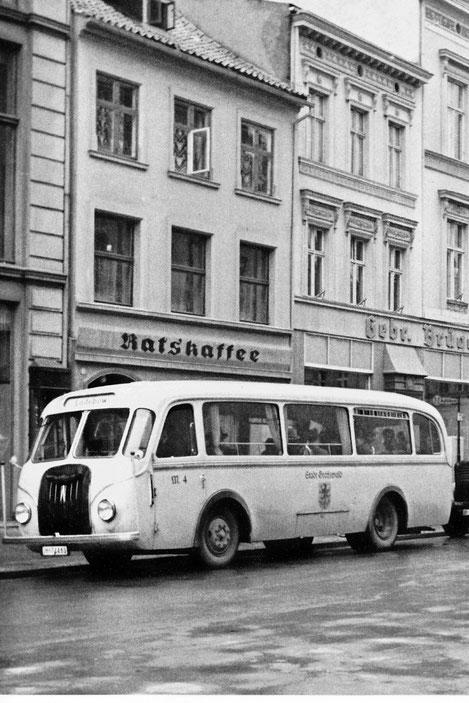 Stadtbus nach Ladebow um 1935