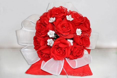 Ramo artesanal, flores de tela, ramo tela, ramo rosas, bouquet tela, flores artificiales.
