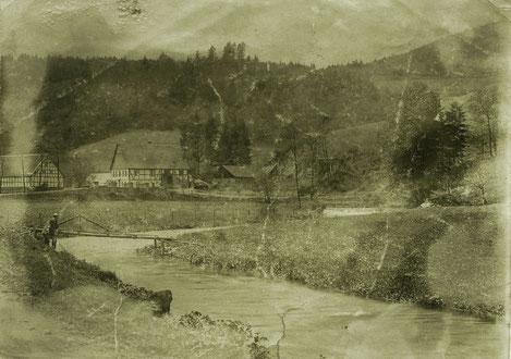 Mußestunde am Bach: In Sallinghausen um 1900