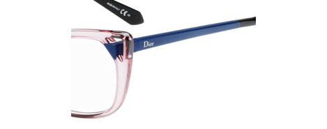 Foto di un dettaglio degli occhiali da vista Christian Dior donna. Modello: CD3286. Colore: 6ML rosa trasparente e blu. Calibro 53-14. Prezzo € 243,00. Materiale: acetato e metallo. Forma: a farfalla.
