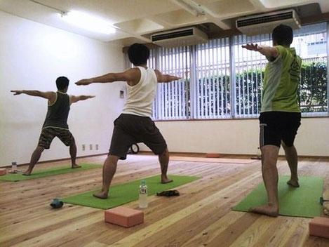 メンズオンリーヨガ:K Yoga表参道