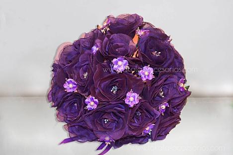 Ramo artesanal, flores de tela, ramo tela, ramos violetas, bouquet tela, flores artificiales.