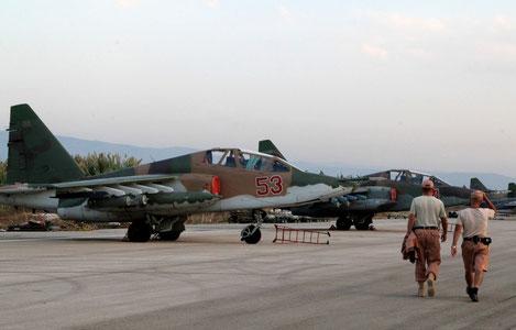 La linea di volo di Su-25 basati ad Hmeimin. / Sputnik News