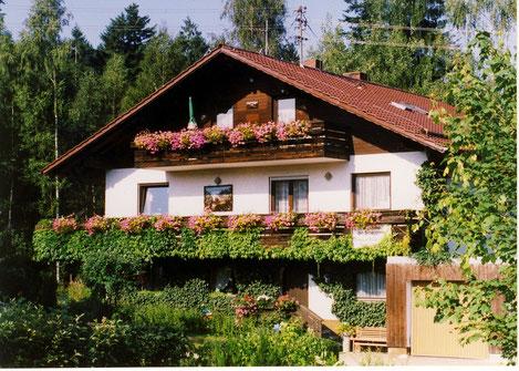 """Unser  """" Haus am Bramersbach """" im Sommer..."""