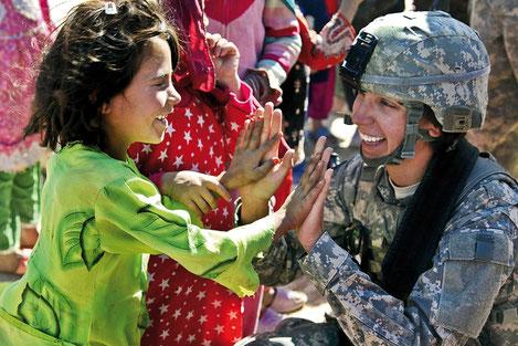 L'armée fait petit à petit la place aux femmes. crédit photo : Pixabay© skeeze