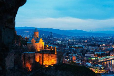 Краски жизни: как провести незабываемые выходные в Грузии