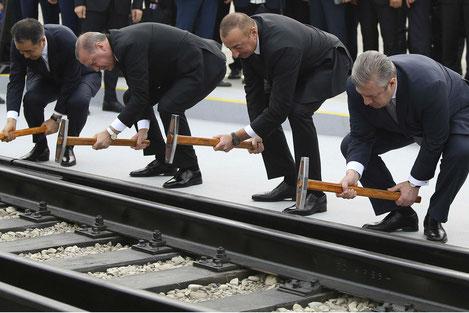 По железной дороге «Баку - Тбилиси - Карс» пустили первый поезд