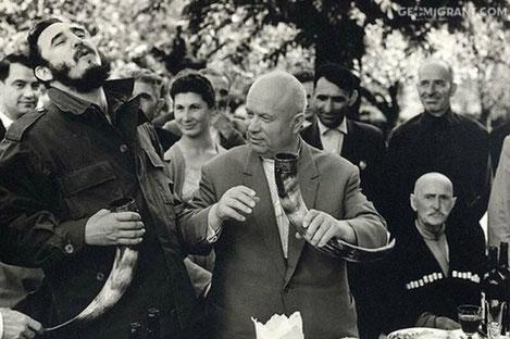 Фото из Грузии вошло в список 13 малоизвестных снимков знаменитостей