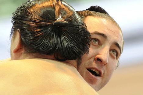 Впервые в истории грузинский сумоист стал обладателем кубка Императора