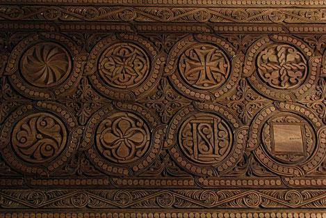 Грузинский художник изготовил главные врата для храма на святой горе Афон