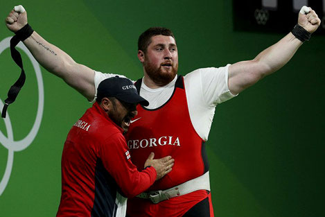Грузинский тяжелоатлет Лаша Талахадзе установил новый мировой рекорд