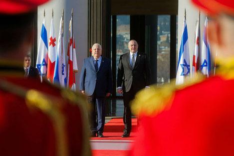В Грузию впервые в истории прибыл президент Израиля