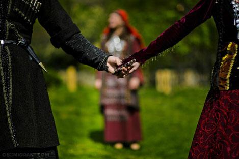 «Кавказская пленница традиций»