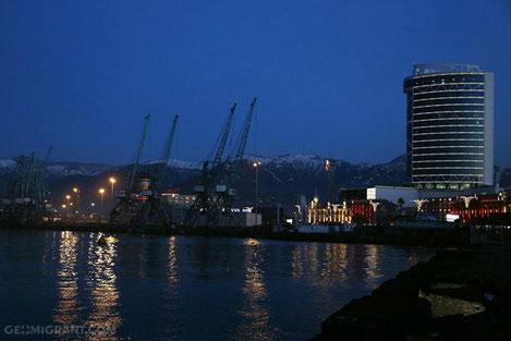 В Грузии закрыты все морские порты