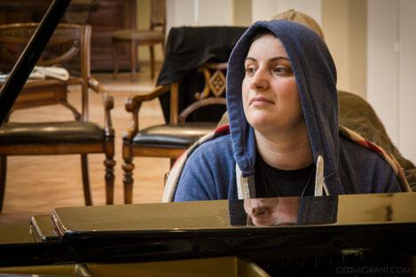 Национальный рекорд: грузинская пианистка, страдающая от рака, играла на фортепиано 25 часов