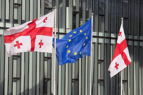 Европа задумалась о восстановлении визового режима для Грузии