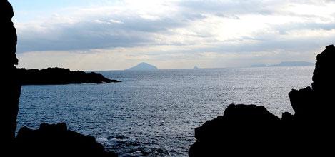 利島、鵜渡根島、新島