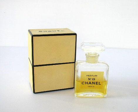 CHANEL - N° 19 PARFUM : ANCIENNE PRESENTATION