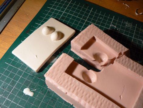 Réalisation d'un exemplaire en plâtre destiné à être détruit après la réalisation du contre moule