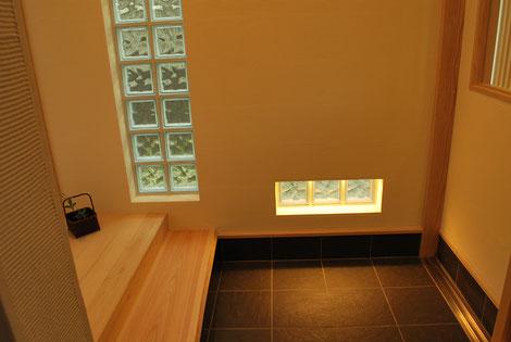 ガラスブロック 式台