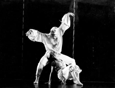 Ballett-Theater Hagen / PULCINELLA (Choreografie: Richard Wherlock / Tanz: Jane Hopper & J. Heckmann)