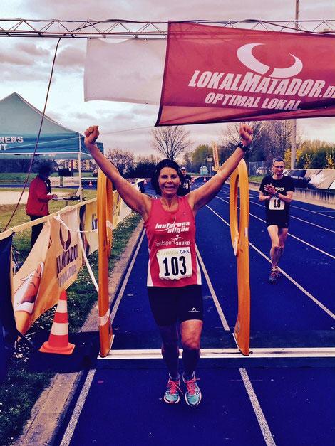Schwäbischer Rekord über 100 Km für Barbara Mallmann in St. Leon-Rot und Bronze