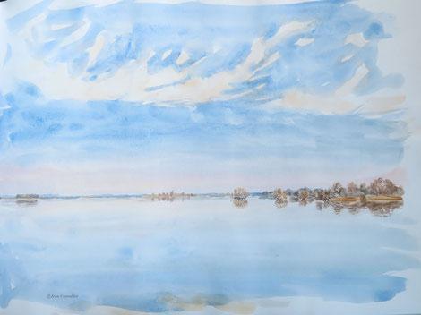 tentative d'eau calme et de nuages sur l'étendue du lac. Je ne m'y retrouve pas vraiment.
