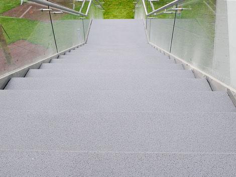 Natursteinteppich Stufen Terrasse