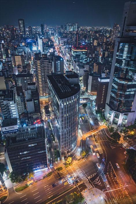 大阪駅前第三ビル夜景 東側手持ち撮影