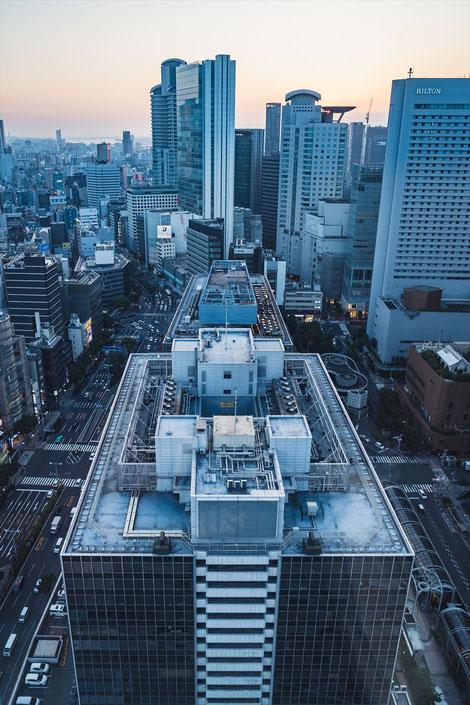 大阪駅前第三ビル展望スペース日没
