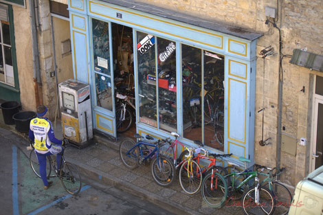 Magasin de cycles et cyclomoteurs, Le Bugue
