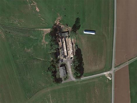 Der Hof im Umbau (Google-Luftbild)