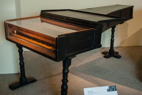 Un des premiers pianos, fabriqué en 1720 par Bartolomeo Cristofori.