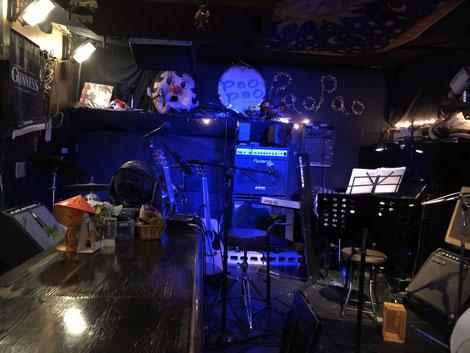 live&food bar pao pao ステージ