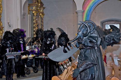 2010 - Prozession der schwarzen Maskerade