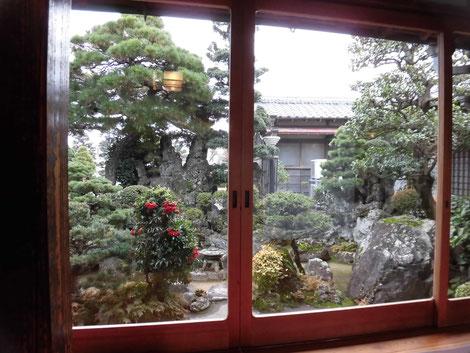 小島屋さんの庭にて