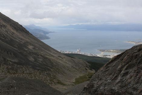 Tolle Sicht von oben auf die Bucht von Ushuaia