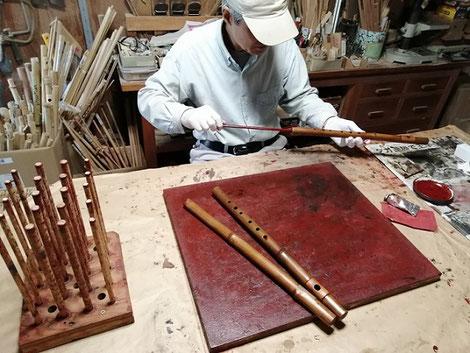 オリジナル横笛(真竹製)G#管製作中 ~管内朱漆塗り~