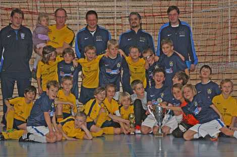 ... mit den Turniersiegern U10 (E2) vom TSV Poing