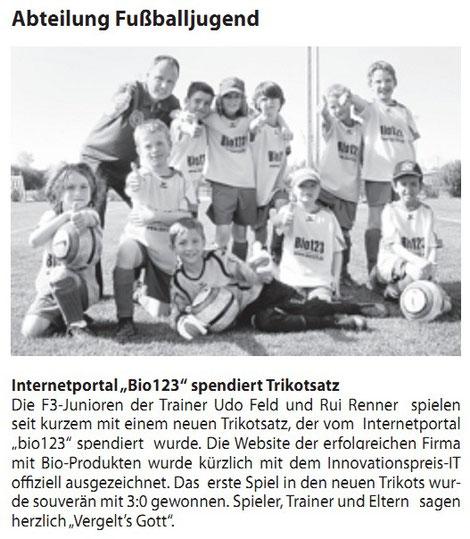 31.05.2012 Auftritt der F3 mit den neuen bio123 Trikots im Poinger Gemeindeblatt