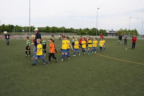 Team TSV Poing F3 - 05.05.2012 - Einlaufen