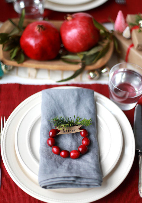 Liz from sayyes.com shows us how to make these mini cranberry wreath place cards